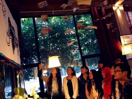 阿拉伯语教研室组织参观法国艺术家H.Musa 阿拉伯书法艺术作品展