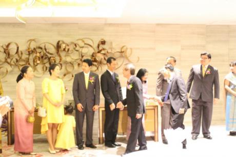 我校泰语系师生受邀参加泰王国驻昆明总领事馆举行的国庆招待会